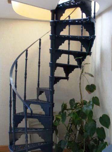 Elegante escalera de caracol fabricada en forja art stica - Ver escaleras de caracol ...