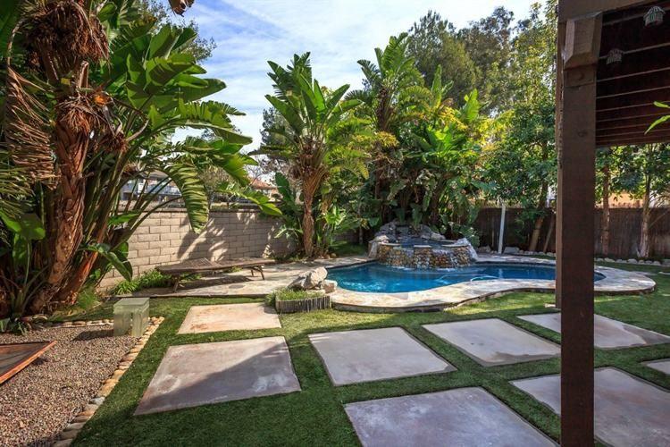 Aménagement jardin paysager autour d\'une piscine – 40 idées ...