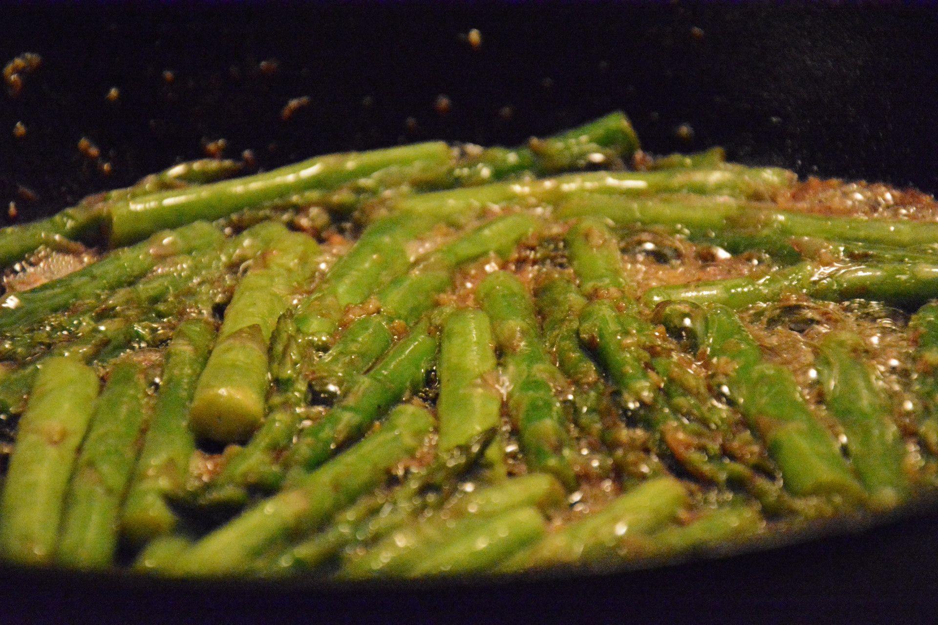 Garlic Asparagus - Simple recipe with blanched asparagus finished with garlic and butter.