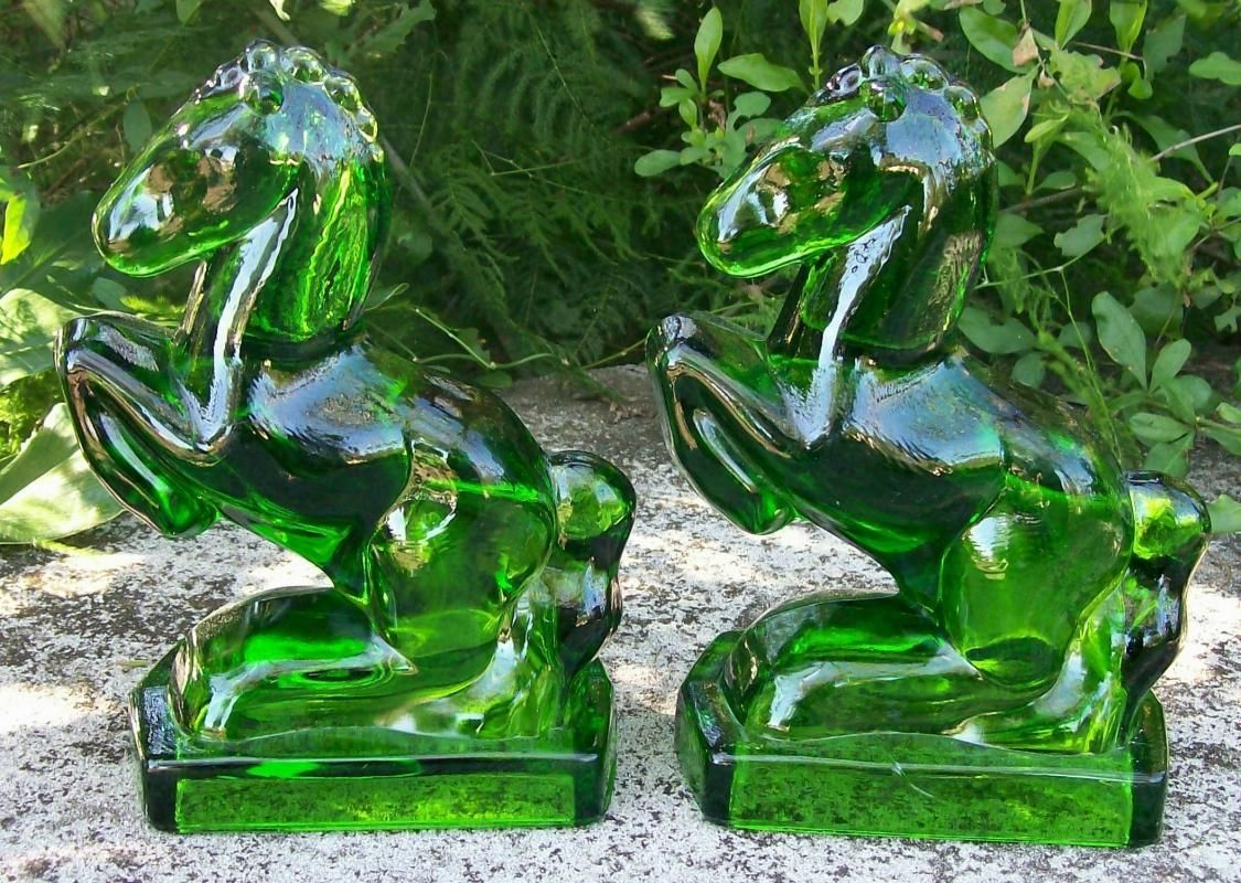 L. E. Smith Glass Horse Bookends: Emerald Green 75.00 | American ...