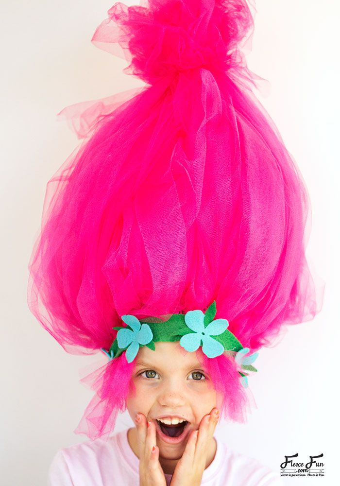 This Troll hair DIY Halloween costumes is easy to make and I love how BIG  it is. Perfect for getting that troll look. 680d170021