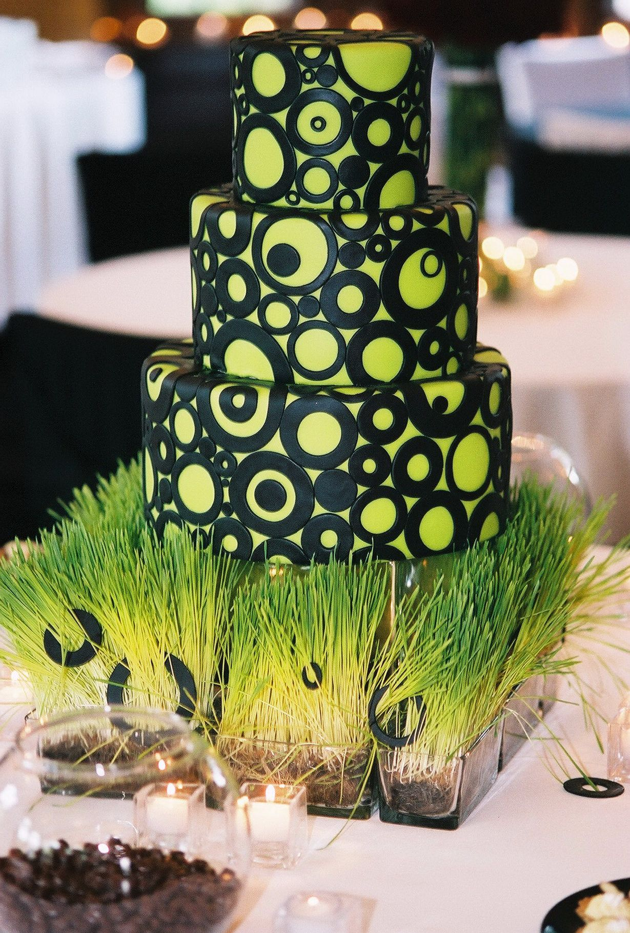lime green and black wedding cakes lime green w black circles amp dots wedding cakes 16893