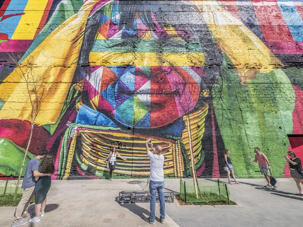 https://flic.kr/p/JYHAER | Mural na área portuária | No Bulevar Olímpico.  Centro da Cidade, Rio de Janeiro, Brasil. Tenham uma excelente…