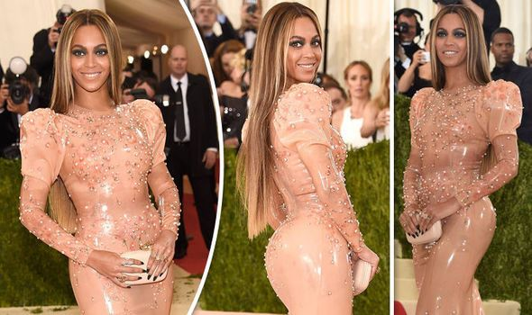 Met Gala 2016 - Beyoncé slays in latex gown as she arrives without ...