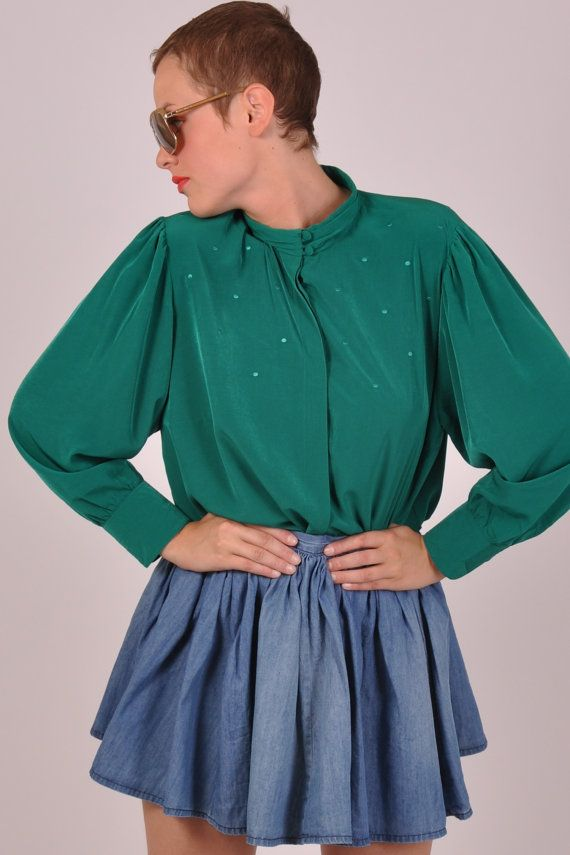Green is all // cute green vintage blouse by GoldvintageBerlin