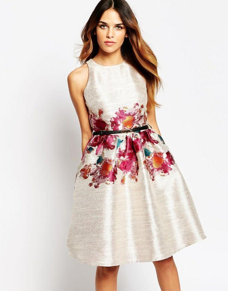 Vestiti Eleganti Motivi.Come Vestirsi Ad Un Matrimonio Vestito Elegante Di Colore Bianco