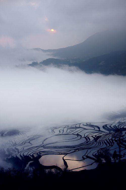 Sunrise | Yuanyang Terraced Fields (by +Lanzi)