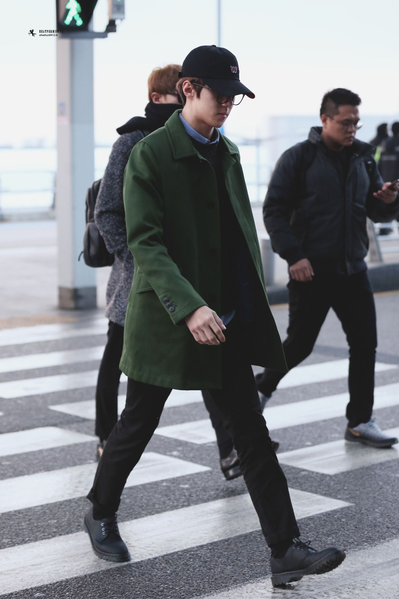 Incheon Airport to Shanghai 160115 : Sehun (3/4)