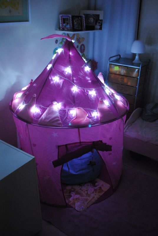Put christmas lights over your tent/fort & Put christmas lights over your tent/fort | Ideas | Pinterest ...
