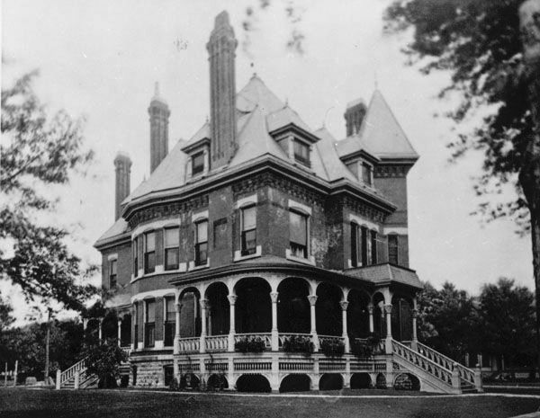 Elaborate Queen Anne Style House At 1313 North Emporia Avenue Old Victorian Homes Victorian Homes Mansions