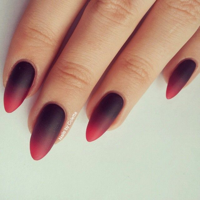 I Do Love A Gothic Looking Gradient I M Still Learning The Art Of Gradients And Am Yet To Find A The Technique That 100 Red Nails Gothic Nails Red Ombre Nails