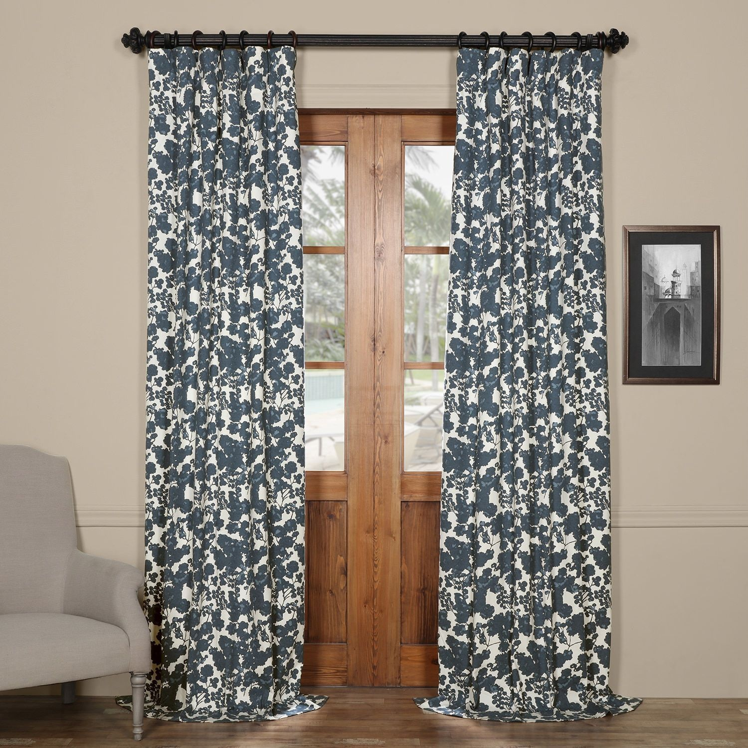 Exclusive Fabrics Fleur 50-inch W x 84-inch to 120-inch L Printed Curtain