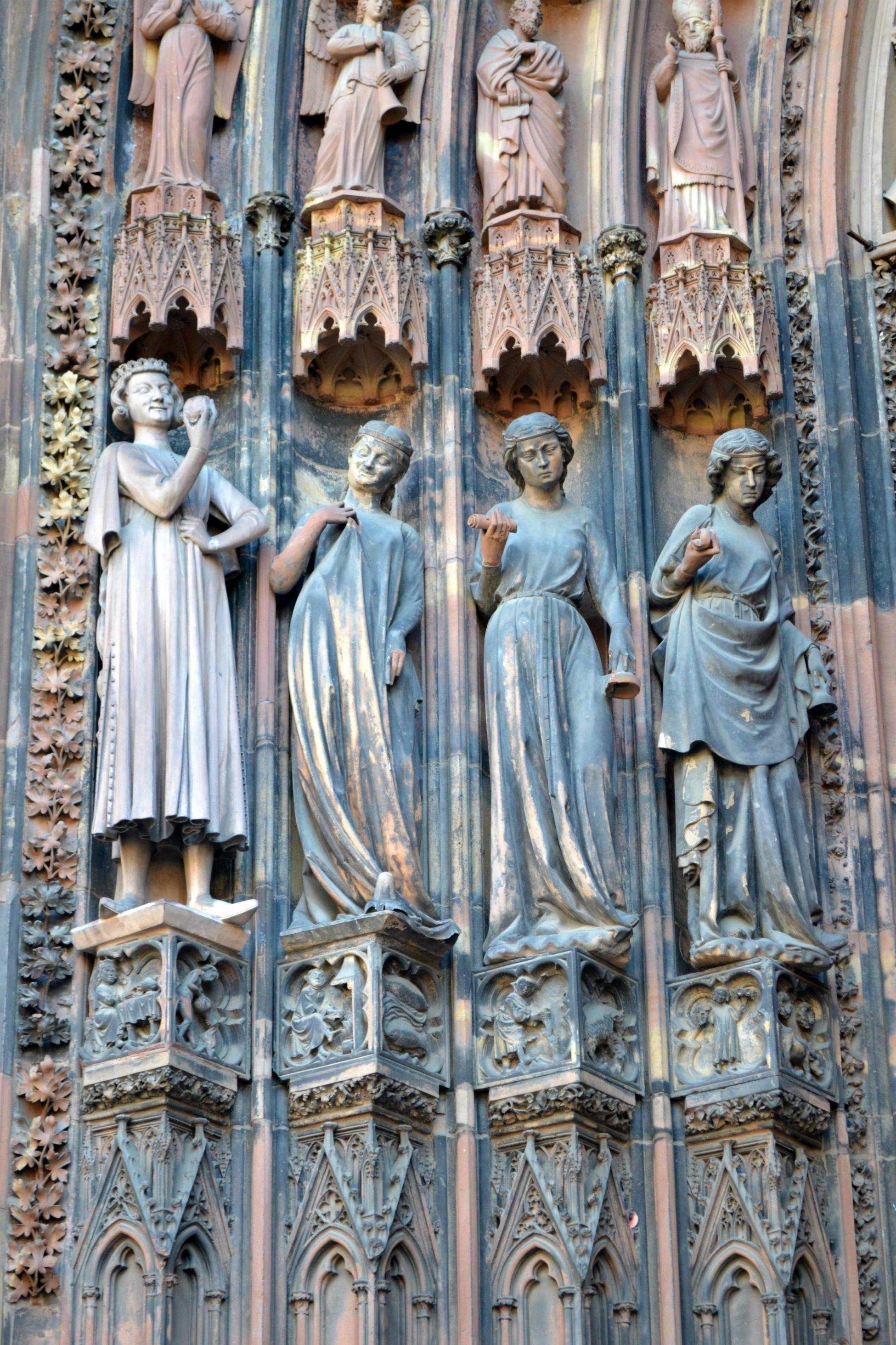 Cathedrale Notre Dame De Strasbourg In 2020 Art Statue Strasbourg
