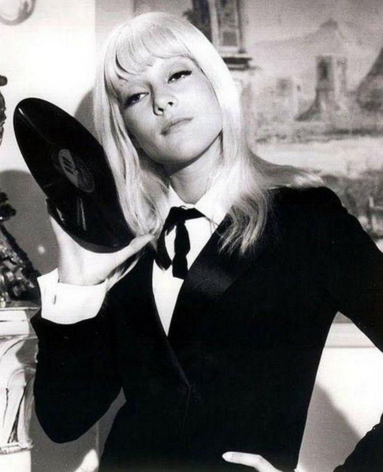 Sylvie Vartan, mid-60's. love her platinum hair with bangs.