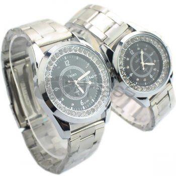 Casal negro relógios de diamantes