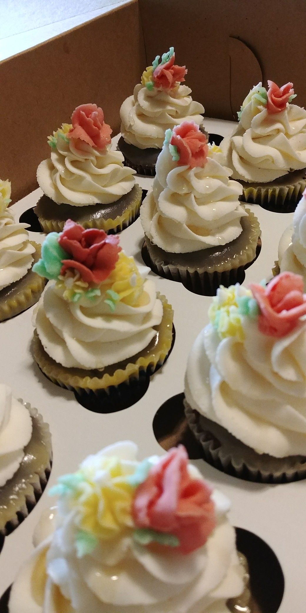Chocolate with maple drizzle with images cupcake