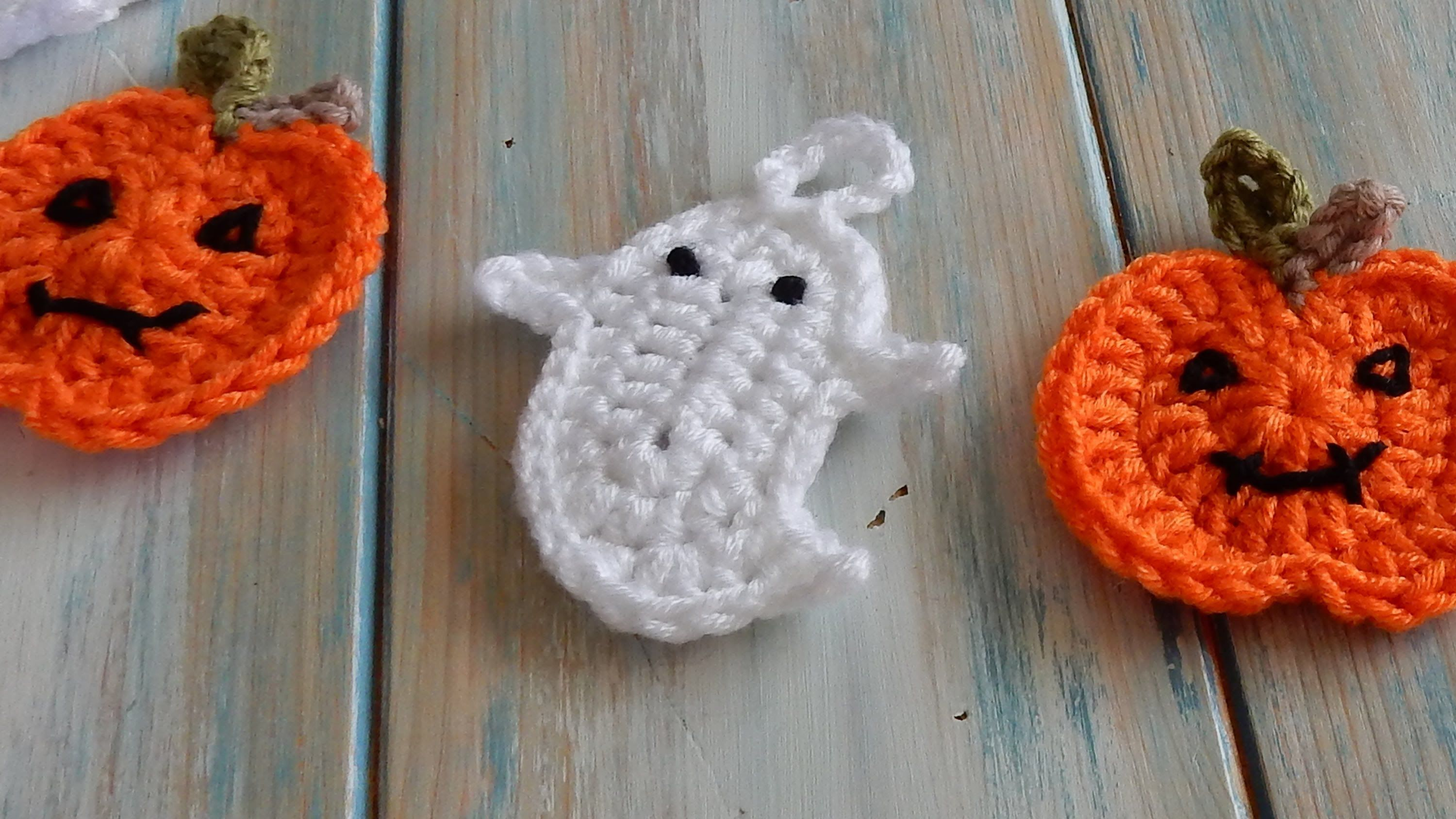 How to crochet a ghost for bunting halloween crochet