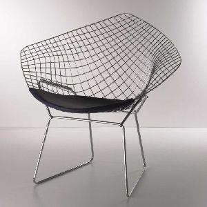 Der Künstler und Bauhaus Designer Harry Bertoia entwarf