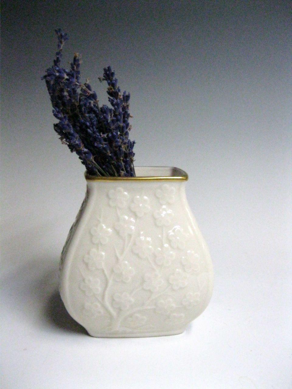 Lenox ivory porcelain vase with gold trim porcelain vase ivory lenox ivory porcelain vase with gold trim floridaeventfo Image collections