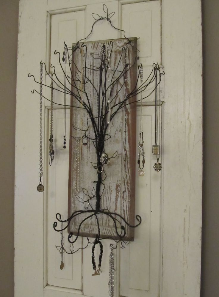 Coat Hanger Jewelry Tree Hint hint i want i want !!!! I know where ...