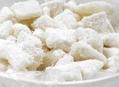Receita de Bala de coco gelada A bala de Coco gelada fresquinha, é uma delícia e derrete na boca. O modo de fazer a receita de bala de coco exige paciência, atenção e cuidados. Excelente para para conseguir um dinheirinho extra. Ingredientes: 1 vidro de leite de coco (200ml) 200 ml de água 1 kg …