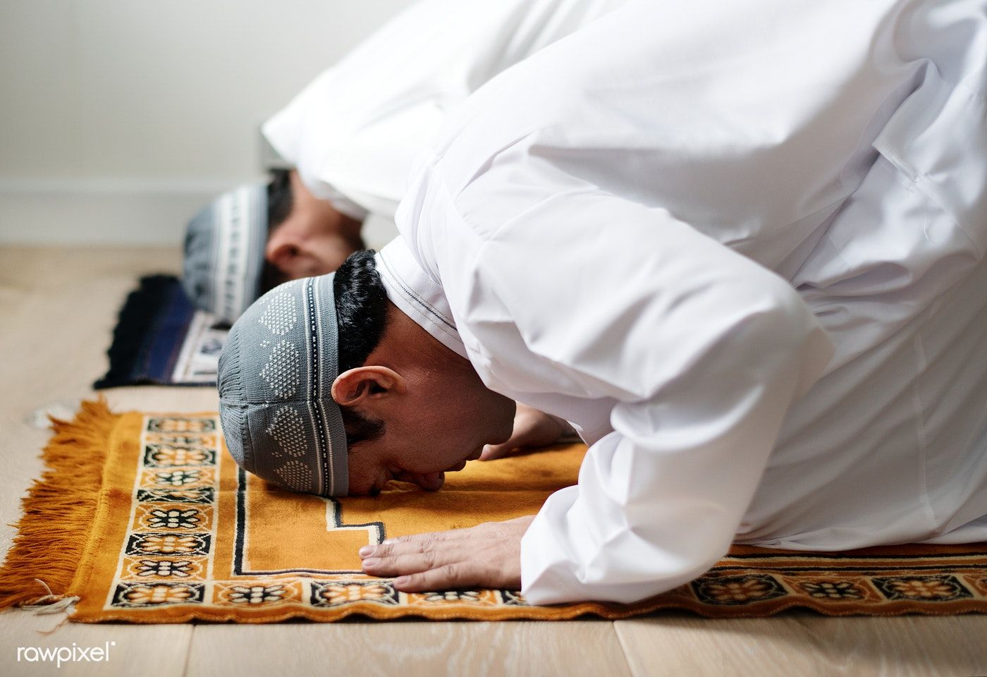 Download premium image of Muslim men praying during Ramadan 418071 | Muslim  men, Ramadan, Muslim