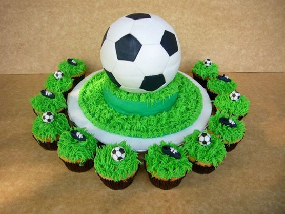 Cake Pelota De Futnol Y Cupcakes Tortas Tematicas