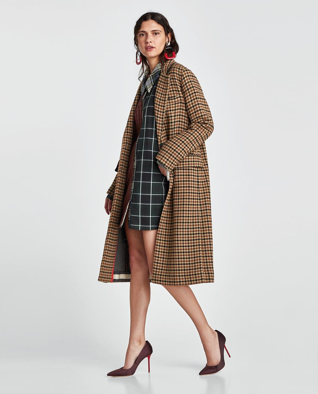 Discover ideas about Burberry Coat. A trench coat in English-woven Vintage  check cotton ... ce953ebcf39