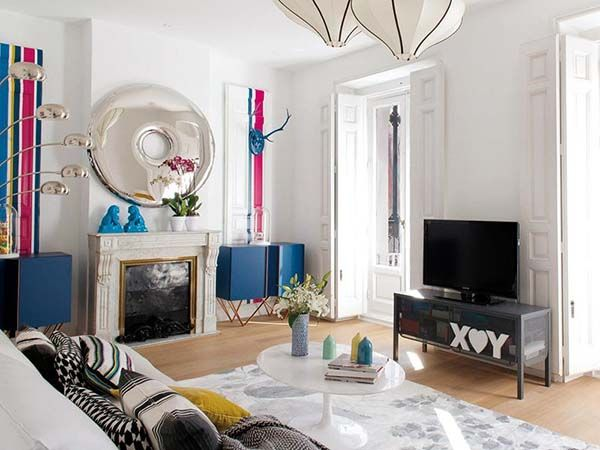 Renovated old apartment in Madrid with retro accents Madrid