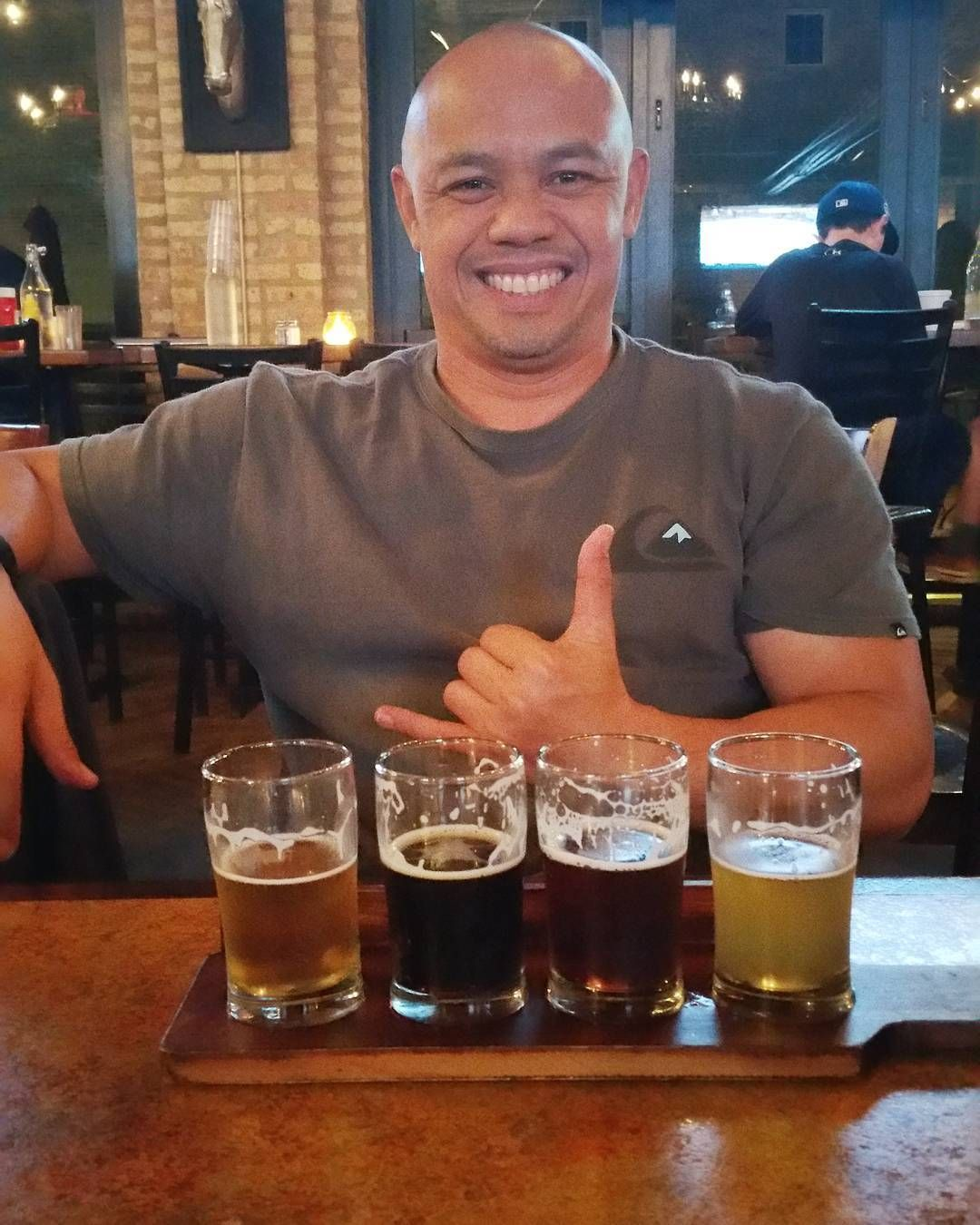 estal8r... Sampling some local Chitown craft beers! Iron Horse Ale House