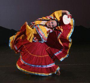 9f327098e951f Dança típica mexicana.  mexico