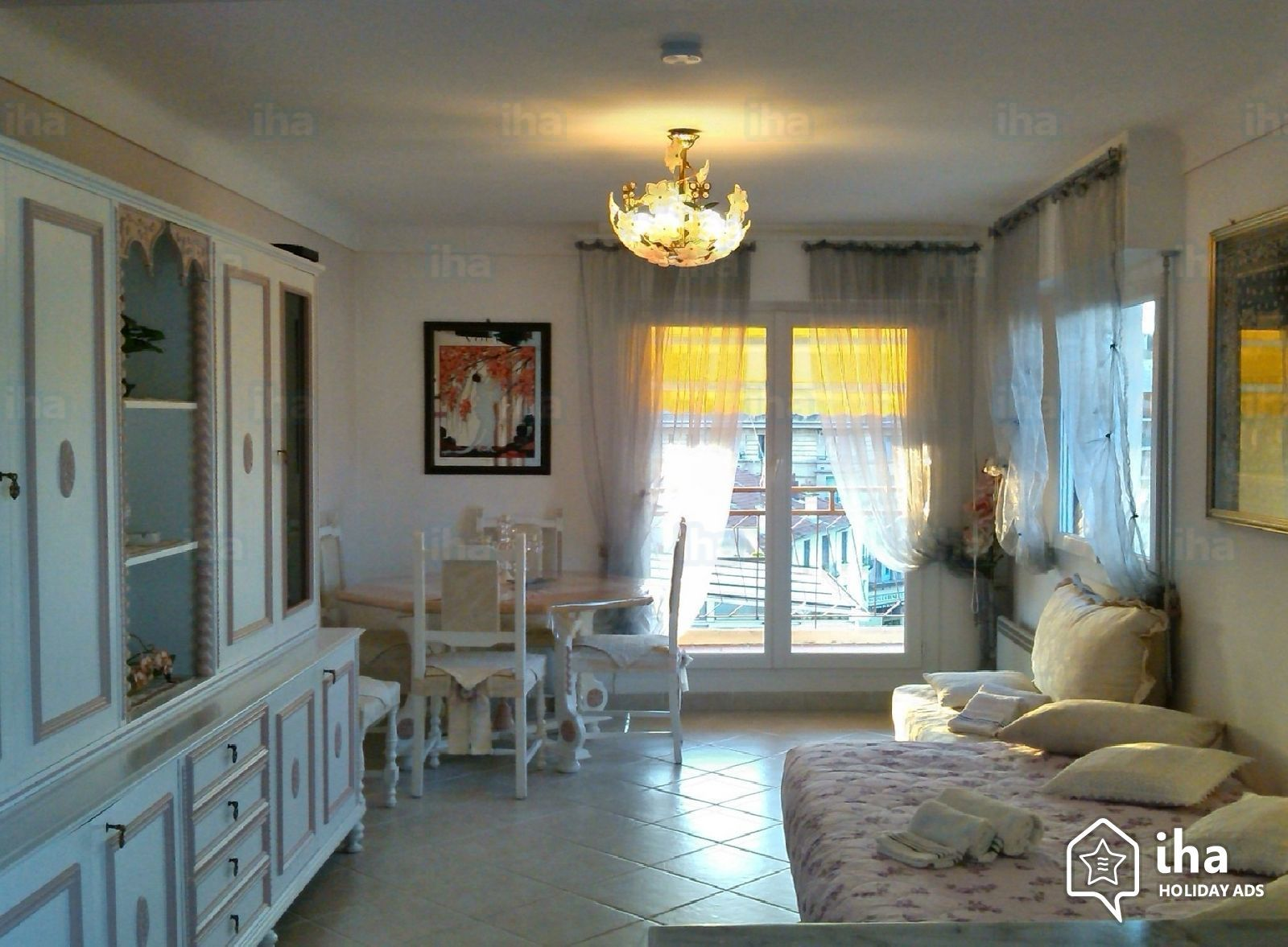 Apartmentflat for rent in an estate in cannes iha