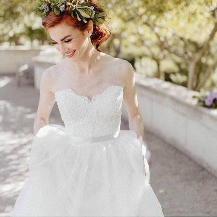 Strapless lace wedding dress | fabmood.com #weddingdress #weddinggown #bridalgown #laceweddingdress #ballgown