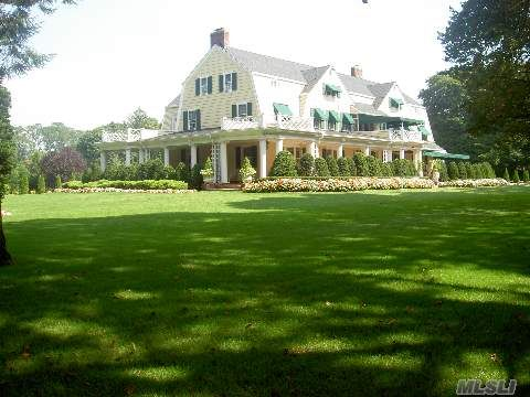 Luxurious Garden City Ny Estate Located On The Hill Garden