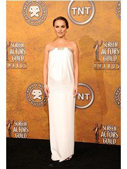 61369f3c917d9 C'est sa fête: Natalie Portman   Clin d'oeil   Nouvelle Mode ...