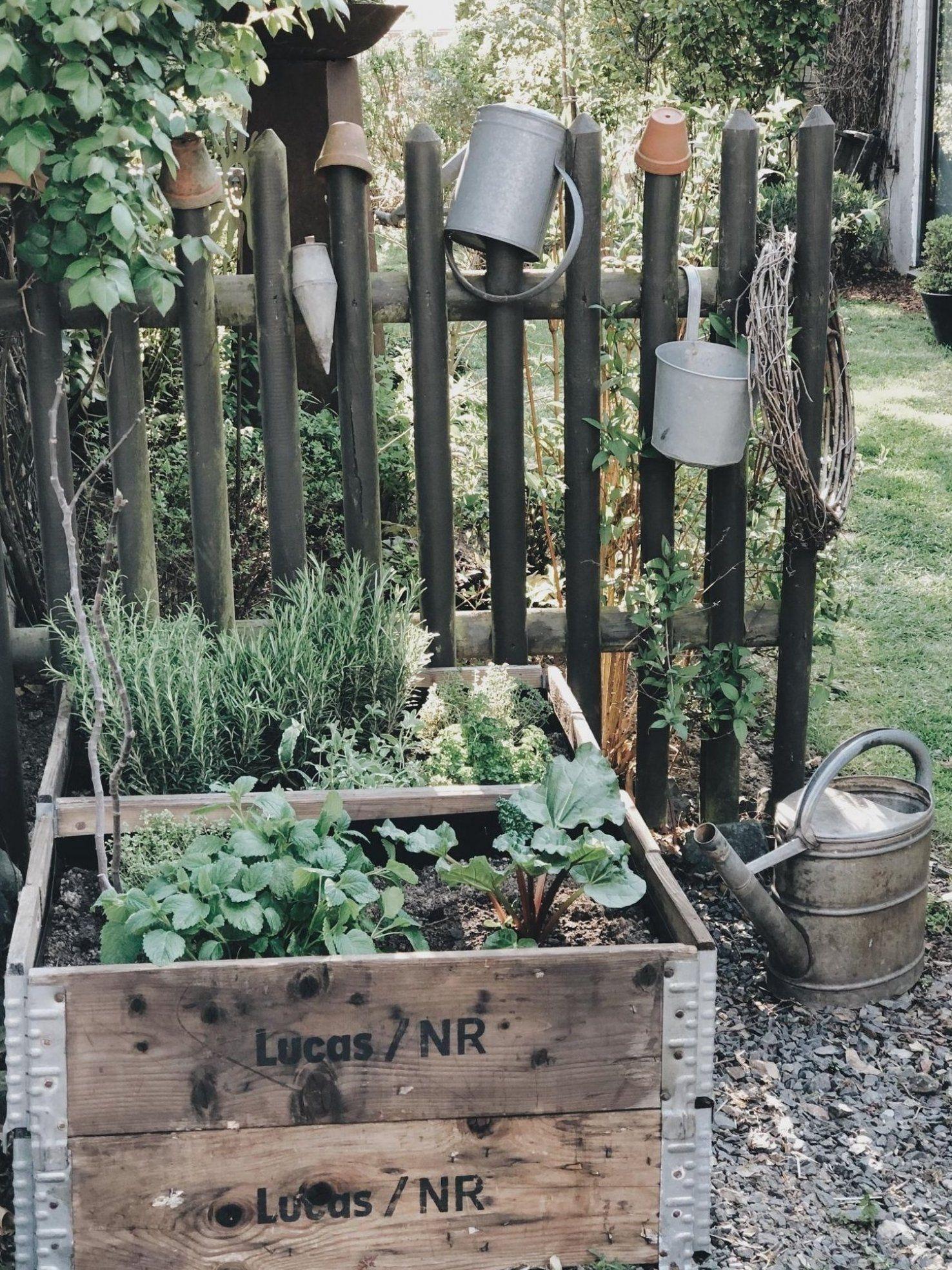 Garten Hochbeet Vintage Terrassenideeen Garten Gartenpaletten Gartenlandschaftsbau In 2020 Garten Hochbeet Gartengestaltung Ideen Gartengestaltung Hochbeet