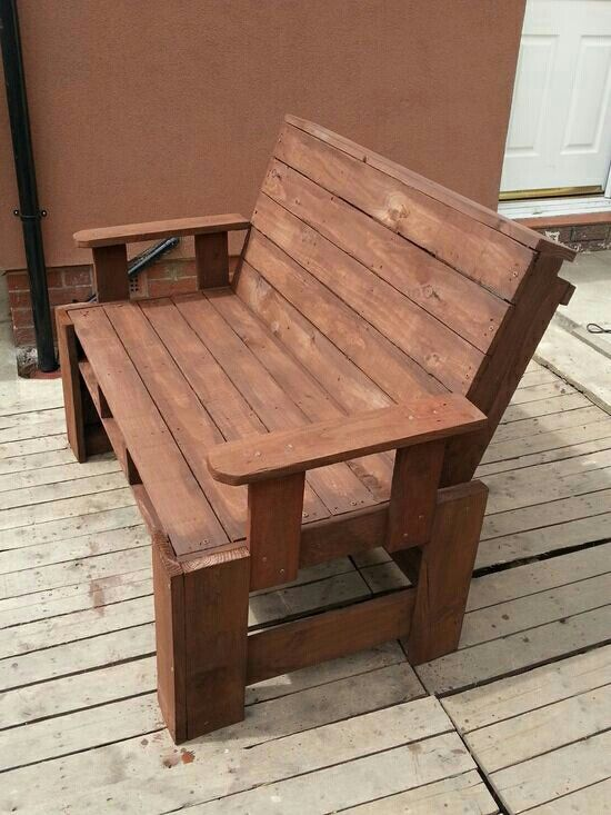 Banca 1 pallets pinterest sillones con tarimas for Sillones de madera reciclada