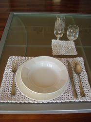 tovaglietta (uncinetto, filato ricavato da magliette) - crocheted placemat (T-yarn)