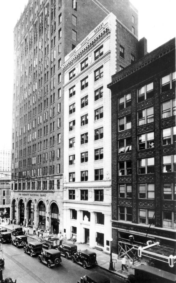 Florida Memory Barnett National Bank Jacksonville Florida 1920s Worked For Them With Images Jacksonville Florida Jacksonville Old Florida