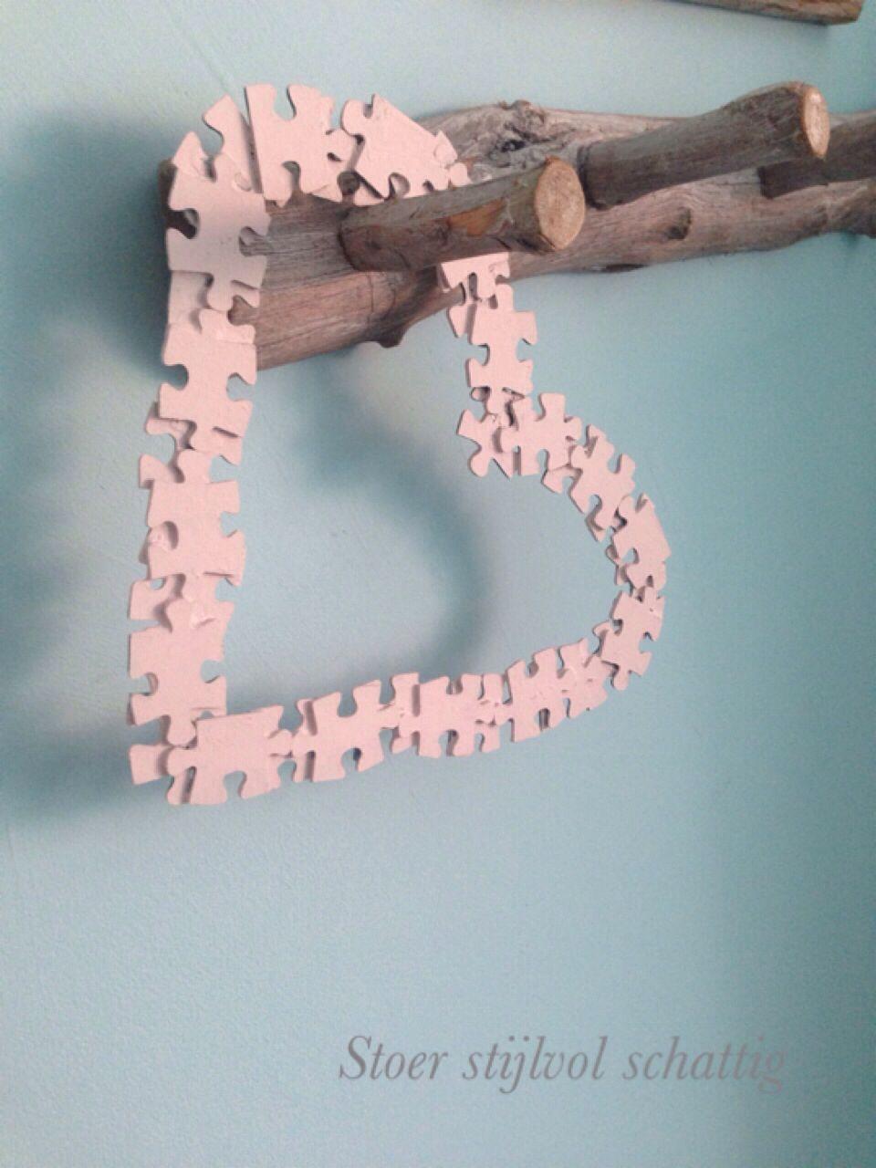 Hartje gemaakt van puzzelstukjes   De uitleg staat op Facebook stoer stijlvol schattig!!!