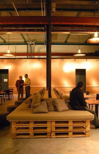 ;-) nice sofa base