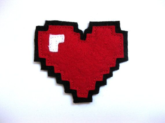 My heart beats for 8-bit  Felt pin 8bit heart container by Kroetenkinder on Etsy, €8.00