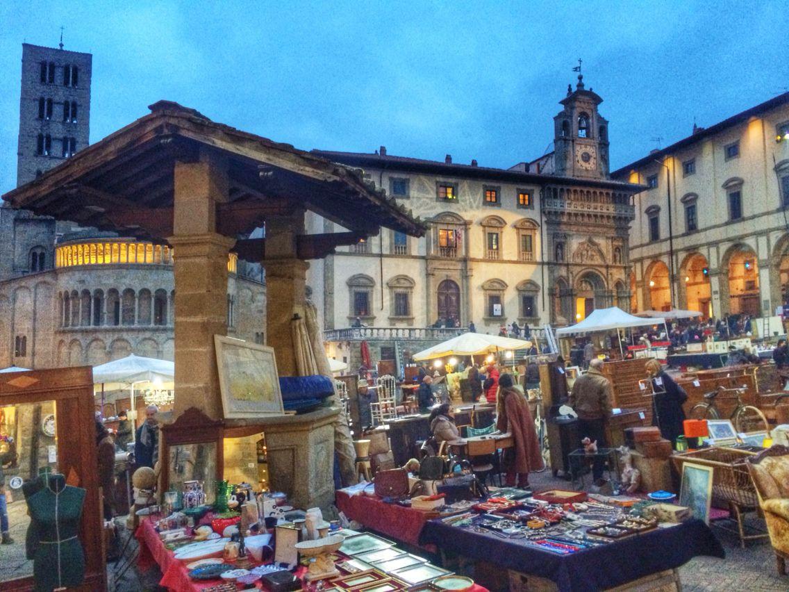 Antique fair arezzo tuscany fiera dell 39 antiquariato arezzo for Arezzo antiquariato