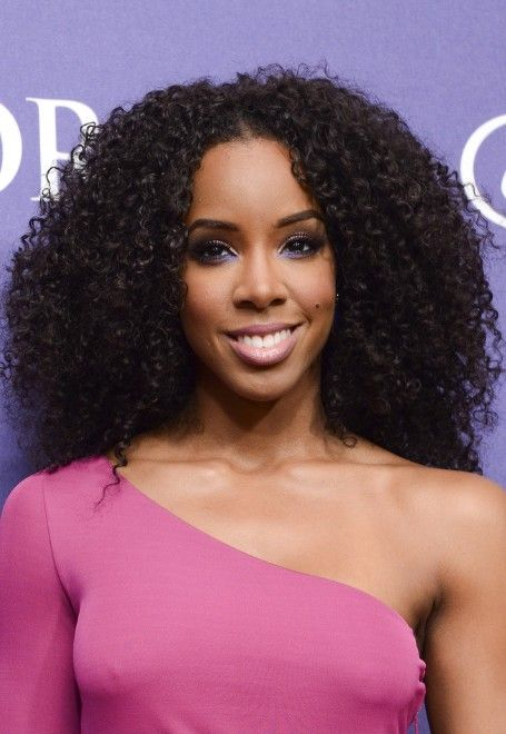 Kelly Rowland Naturally Curly Hairstyle Black Curly Hairstyles Curly Hair Styles Naturally Long Hair Styles Curly Hair Styles