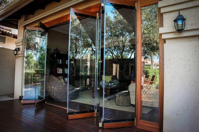 frameless-folding-doors-rustic-other-metro-van-acht-folding-glass ...