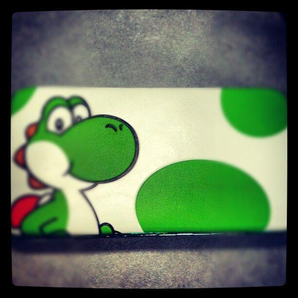 Cute Yoshi hard-wallet. Nintendo.