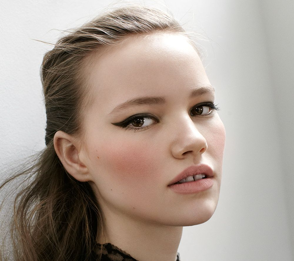 strong cat eye with a rosy flush | inspiration | Beauty ...