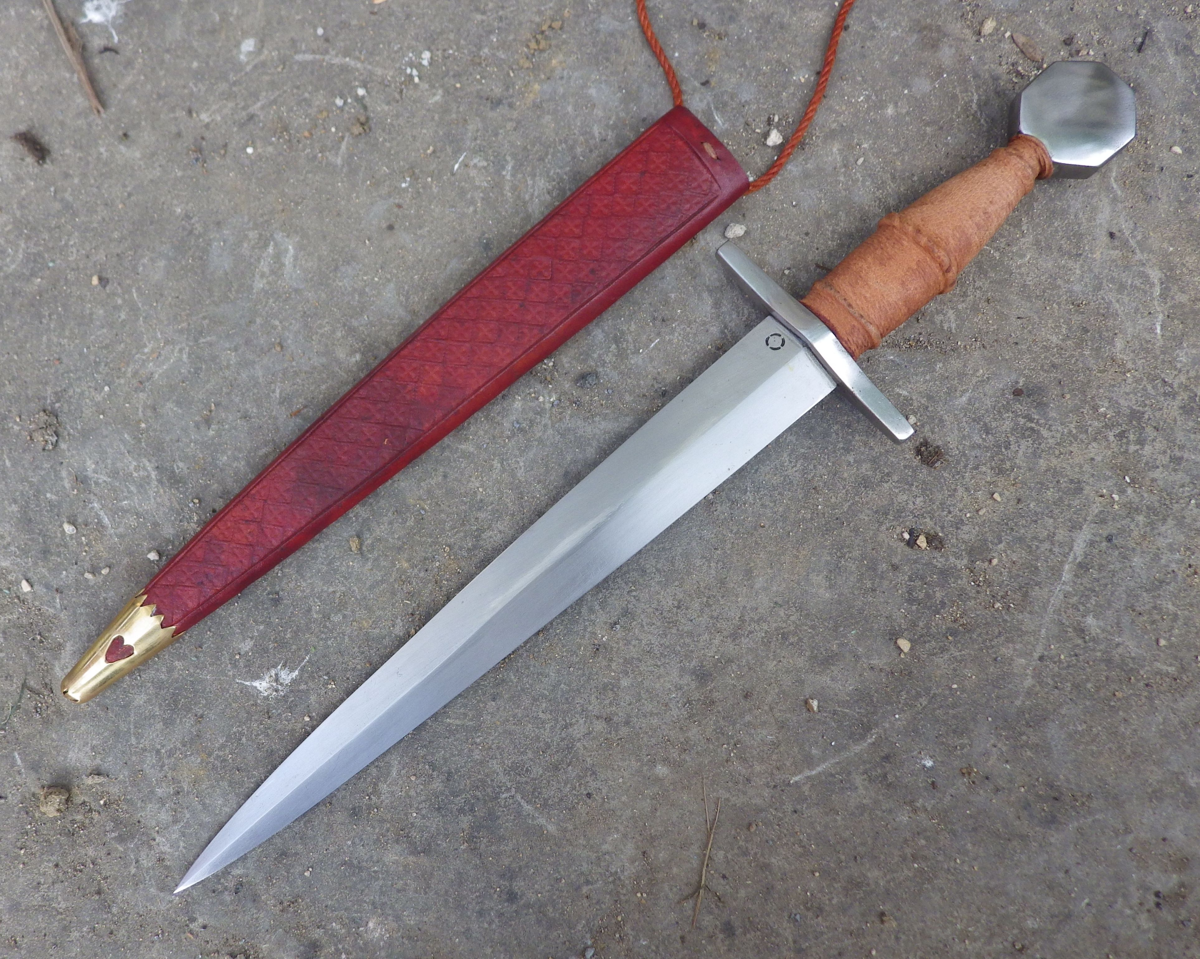 Medieval knightly quillon dagger | Blade | Swords, daggers, Knives