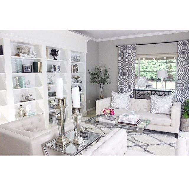 """Beautiful grays and whites by @elpetersondesign --------------------------------------- Tag @inspire_me_home_decor and hashtag #inspire_me_home_decor  for…"""