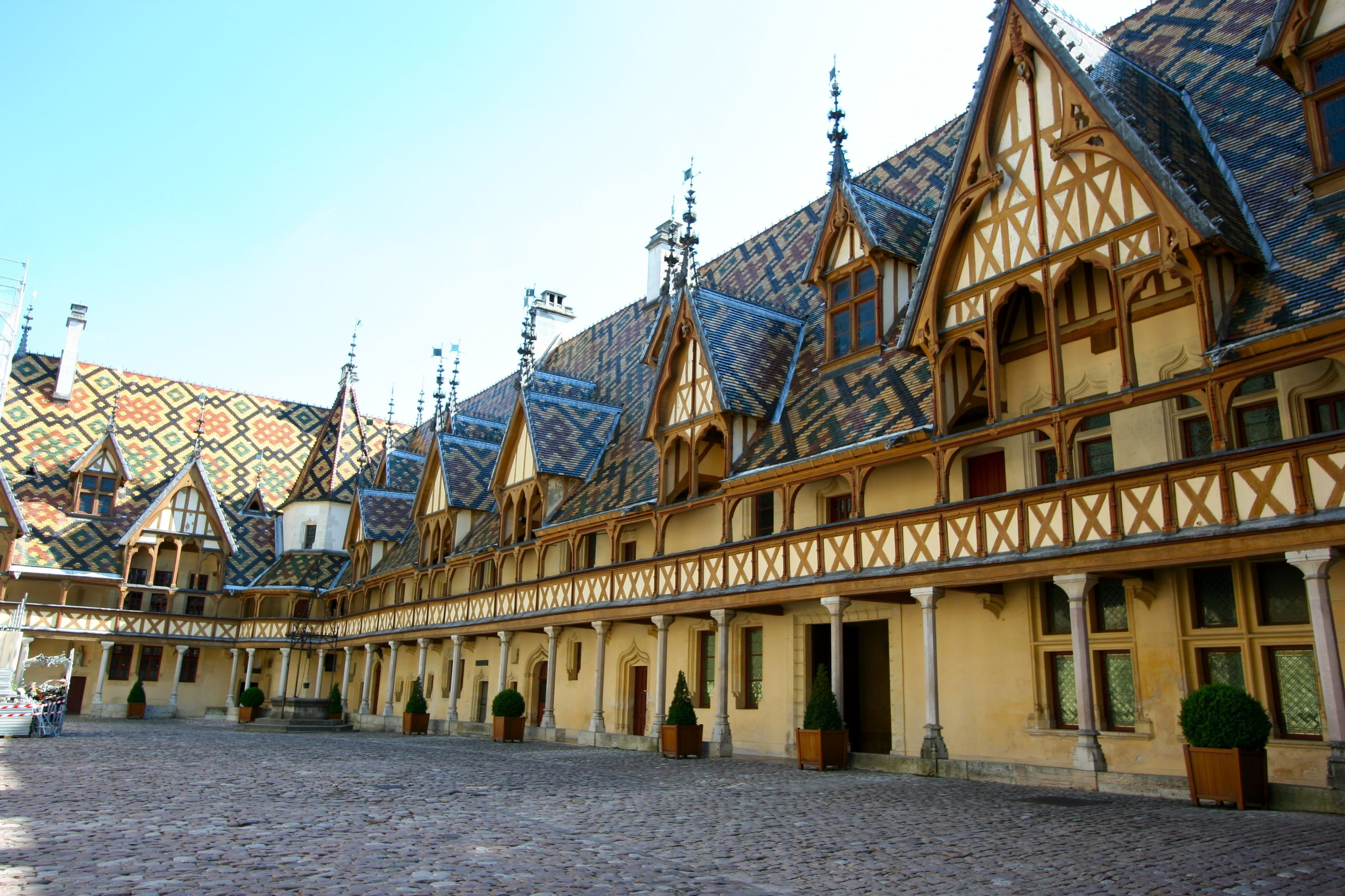 how to get from dijon to beaune